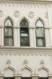 Architecturale details en decoratie van de uitstekende voorgevel fram Royalty-vrije Stock Foto's
