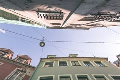 architecturale straatdetails in Riga, Letland - uitstekend effect royalty-vrije stock afbeelding