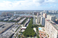 Architecture ayant beaucoup d'étages Sunny Isles Beach Image stock