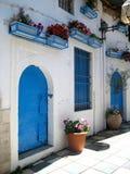 Architecture bleue et blanche traditionnelle, Grèce Photographie stock libre de droits
