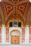 Architecture classique représentant une éducation plus élevée Images stock