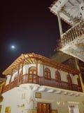 Architecture coloniale colombienne à Carthagène Colombie avec les balcons détaillés photographie stock libre de droits