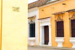 Architecture coloniale colorée par pastel Photo libre de droits