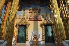 Architecture dans le nonthaburi buakwan de wat de la Thaïlande de temple bouddhiste Image stock