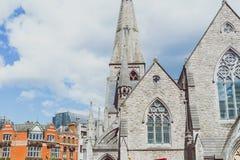 Architecture dans les rues de comporter de centre de la ville de Dublin photographie stock libre de droits