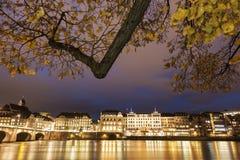 Architecture de Bâle le long du Rhin Images libres de droits