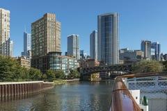 Architecture de façade d'une rivière de Chicago Photographie stock libre de droits
