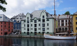 Architecture de Jugendstil dans Alesund, Norvège Photo stock