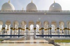 Architecture de mosquée grande Abu Dhabi image libre de droits