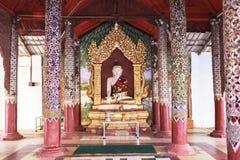 Architecture de pagoda de Shwezigon dans Bagan photo stock