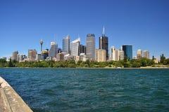 Architecture de Sydney, vue sur la ville des jardins botaniques photos libres de droits