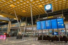 Architecture de terminal de départ d'aéroport international d'Oslo Gardermoen Image stock