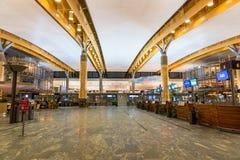 Architecture de terminal de départ d'aéroport international d'Oslo Gardermoen Photo stock