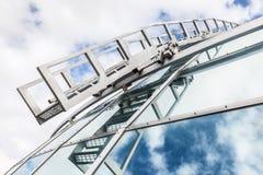 Architecture en verre, réflexion de ciel Photos libres de droits