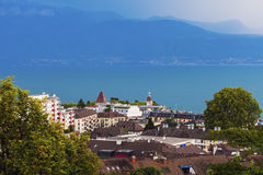 Architecture et Lac Léman de Lausanne Photographie stock libre de droits