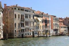 Architecture et un canal. Vénétie, Italie. Image stock