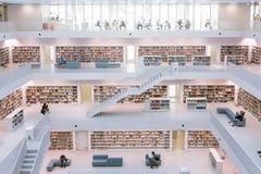 Architecture européenne moderne intérieure Fam de bibliothèque municipale de Stuttgart Image stock