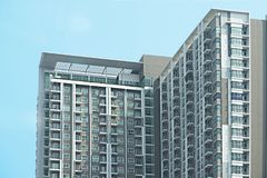 Architecture faisante le coin de logement ou de ciel sur le fond de ciel bleu Photos stock