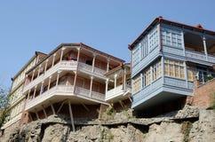 Architecture géorgienne traditionnelle dans Abanotubani, Tbilisi Photographie stock libre de droits