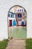 Architecture grecque traditionnelle sur l'île de Milos Photos stock