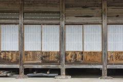 Porte japonaise traditionnelle en bois de shoji ext rieur for Architecture traditionnelle japonaise