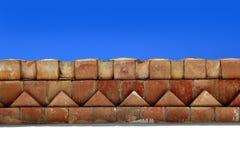 Architecture méditerranéenne d'avant-toits de toit de briques Image stock