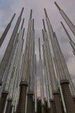 Architecture moderne au parc des lumières à Medellin la nuit Photos libres de droits