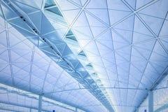 Architecture moderne de plafond en aéroport de Hong Kong Image stock