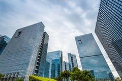 Architecture moderne, la vue inférieure Images libres de droits