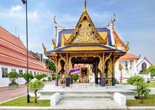 Architecture thaïlandaise classique dans le Musée National de Bangkok, Thaïlande photographie stock