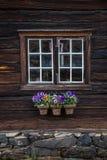 Architecture traditionnelle des maisons en bois dans Røros, Norvège vieux photo stock