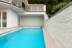Architecture whit pool Royalty Free Stock Photography