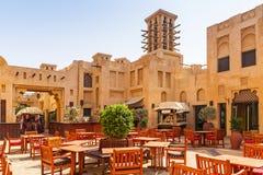 Architectuur van de toevlucht van Madinat Jumeirah in Doubai Stock Foto