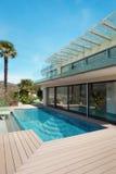 Architectuur, wit huis, openlucht stock fotografie