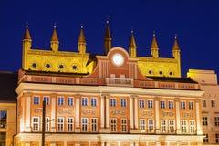 Architecutre van Rostock - Rathaus op Neuer Markt Stock Afbeeldingen