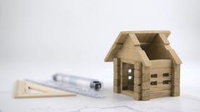 Architekt buduje drewnianego dom zbiory wideo