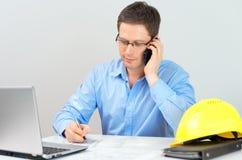 Architekt dyskutuje domowego plan z klientem Obrazy Stock