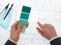 Architekt mit Farbmuster Lizenzfreie Stockfotografie