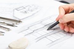Architekt Pracuje Na projekcie Architekta miejsce pracy - architektoniczny projekt, projekty, władca, kalkulator, laptop i Fotografia Royalty Free
