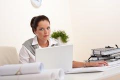 architekta żeński laptopu biuro Zdjęcie Stock