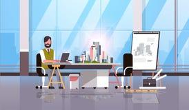 Architekta inżynier używa laptopu projekta planu miasta budynku modela domowej nastawczej rysownicy panning miastowego projekt royalty ilustracja