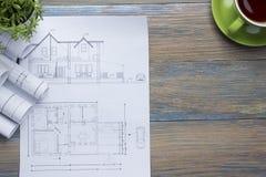 Architekta worplace odgórny widok Architektoniczny projekt, projekty, projekt rolki i divider kompas, calipers dalej Fotografia Royalty Free