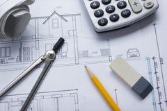 Architekta worplace odgórny widok Architektoniczny projekt, projekty, projekt rolki i divider kompas, ołówek na planach Obraz Stock