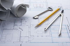 Architekta worplace odgórny widok Architektoniczny projekt, projekty, projekt rolki i divider kompas, ołówek na planach Zdjęcia Royalty Free