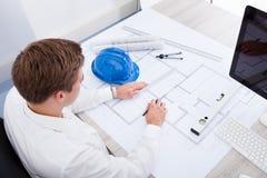 Architektenzeichnung auf Plan Stockbild