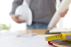 Architektenzeichnung auf Planarchitekturkonzept, Weichzeichnung Stockbilder