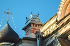 Architektoniczni nadmiar w Fasadowej dekoracji zdjęcie royalty free