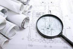 Architektoniczni projekty, projekt rolki i powiększać, - szkło na białym tle Zdjęcie Stock