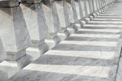 Marmurowa balustrada i ja jesteśmy cieniem. Zdjęcie Royalty Free