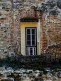 Architektoniczny szczegół oldl budynek w miastowym Europa obraz stock